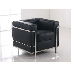 LC2 Armchair by Le...